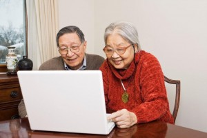 Older-couple-with-laptop